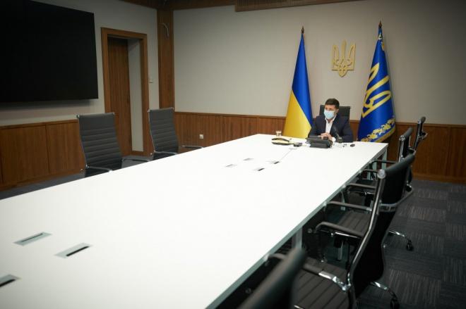 Зеленський анонсував посилені перевірки закладів громадського харчування та транспорту - фото
