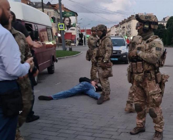 В Луцьку всі заручники звільнені, терорист затриманий - фото