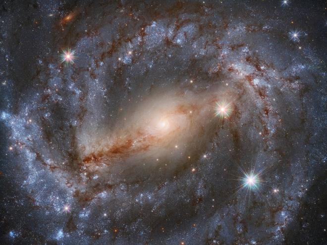 Хаббл дев'ять годин дивився на цю галактику, щоб зробити ідеальний знімок - фото