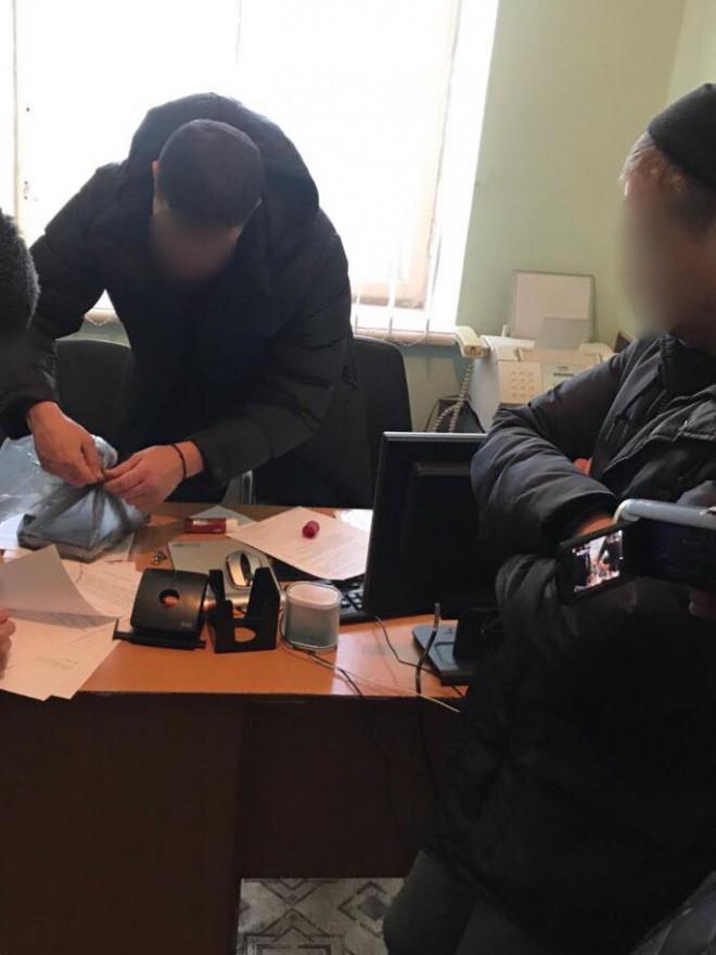 затримання поліцейських за кришування злодіїв на Київському центральному вокзалі, фото 2