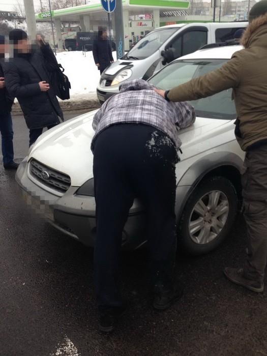 задержание на взятке начальника контрразведки СБУ в Луцке на фото 4