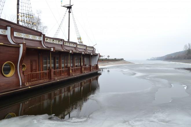 плавучий ресторан Януковича в Межигір′ї фото 3
