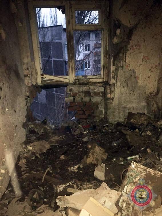 наслідки чергового обстрілу прифронтового міста Авдіївка на фото 3