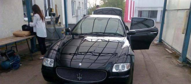затримана румунськими митниками Maserati з України з грошима на фото 1
