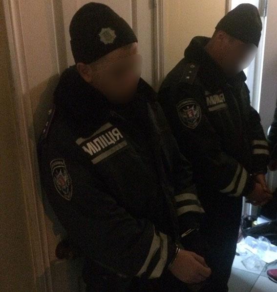 ВЗапорожье задержали правоохранителей, грабивших людей