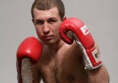 Сегодня в Черкассах состоится титульный бой между Федченко и Азизовым - фото