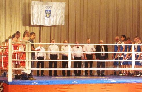 В Бердичеве прошел традиционный боксерский турнир - фото