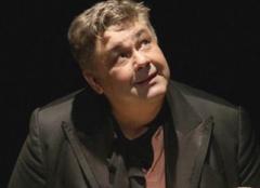 В театре русской драмы во время спектакля скончался артист Александр Бондаренко - фото