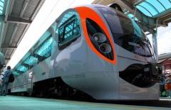 Поезд Hyundai снова сломался - фото