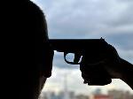 Солдат попытался застрелиться на детской площадке