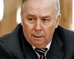 Завтра суд рассмотрит иск к спикеру ВР Рыбаку - фото