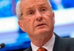 Генсек Совета Европы требует объяснений о лишении Власенко депутатства - фото