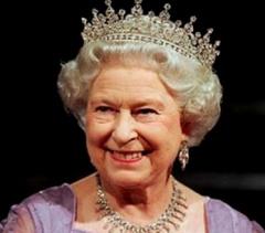 Королеву Великобритании госпитализировано - фото