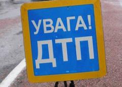 На Харьковщине в аварию попал микроавтобус с людьми - погибло два человека - фото