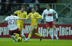 Украина обыграла в футбол Польшу - фото
