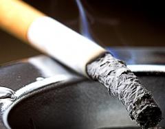 Украинцы стали меньше курить - фото