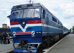 На майские праздники Укрзализныця назначила дополнительные поезда - фото