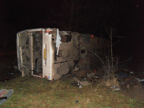 Ночью в Винницкой области перевернулся автобус с пассажирами - фото