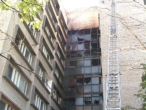 В Харькове горела многоэтажка, погибли 3 человека - фото
