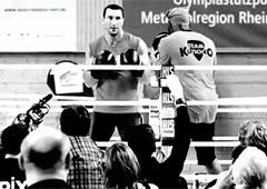 Видео открытой тренировки Владимира Кличко - фото