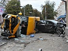 В Сумах легковушка столкнулась с маршруткой, есть погибшие