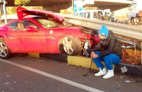 Милевский разбил свою Ferrari (фото) - фото