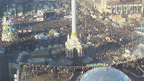 29 декабря: Майдан заполнен людьми - фото