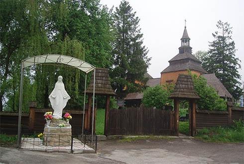 Две старинные деревянные церкви на Прикарпатье получили дипломы ЮНЕСКО - фото