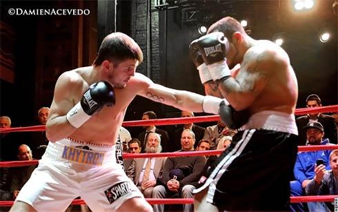 Евгений Хитров успешно стартовал на профессиональном ринге - нокаутировал соперника - фото