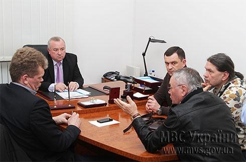 Милиция рассматривает все возможные версии совершения нападения на Татьяну Чорновол - фото
