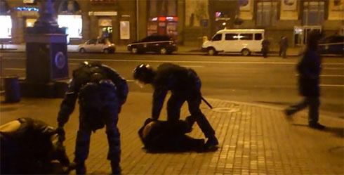 МВД: милиция превышено применяла силу в ответ - фото