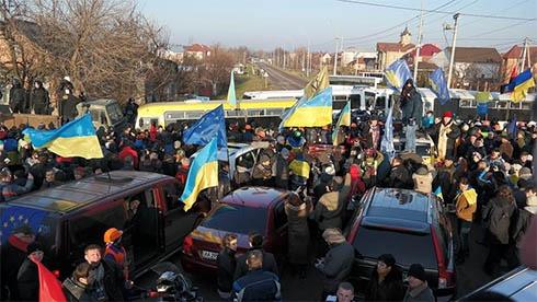 Организатора Автомайдана под Межигорьем вызывают на допрос в милицию - фото