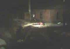 В Киеве на мужчину упал забор, от чего тот скончался - фото