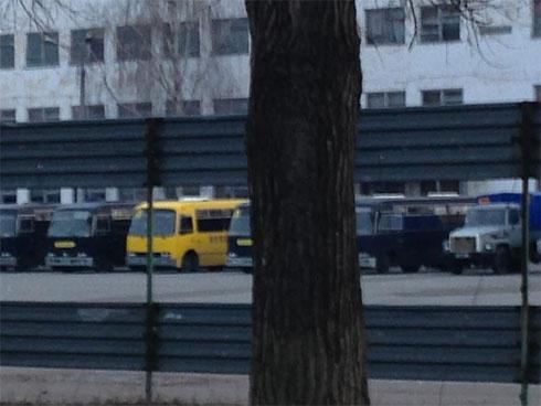 В Василькове заблокировали автобусы с «Беркутом», которые собираются на Киев - фото