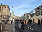 Евромайдан продолжается, люди прогуливаются на Крещатике