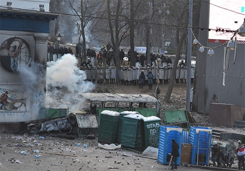 Столкновения на Грушевского начали провокаторы - заявляют в «Свободе» - фото