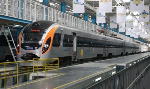 Поезда Hyundai временно сняли с эксплуатации - фото