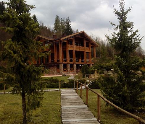 «Медвежья дубрава», дача Медведчука в Закарпатье, открывается для общественности - фото