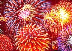 В каких городах 9 мая состоятся праздничные фейерверки - фото