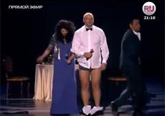 Потап снял штаны и поблагодарил Россию - фото