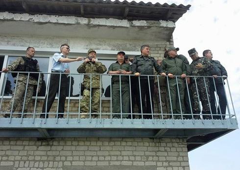 Турчинов напоследок поехал покомандовать под Славянском - фото