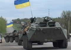 В Харьковской области обстреляли колонну военной техники - фото