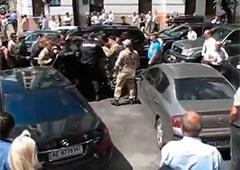 Под Верховной Радой едва не побили Пашинского - фото