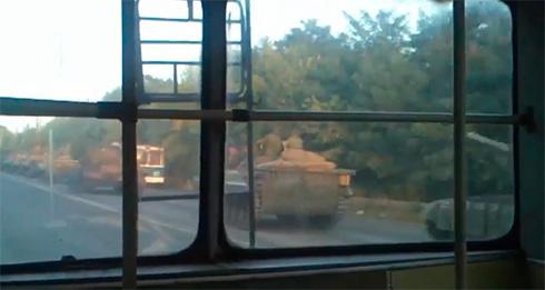 Колонна российской военной техники на Луганщине - видео - фото