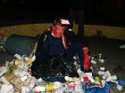 Пилипишина облили красной краской и бросили в мусорник