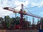 В Днепропетровске на людей упал строительный кран, есть погибшие