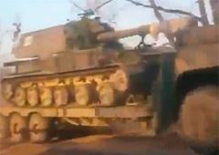 На Донбасс с территории РФ не прекращает поступать военная техника и особый состав, - СНБО - фото