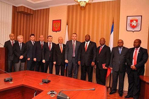 Крым налаживает отношения с Зимбабве - фото
