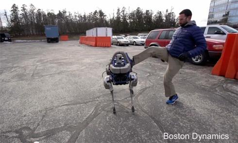 У Boston Dynamics новый ловкий четвероногий робот - фото