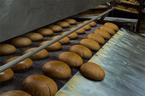 В Киеве снова подорожает хлеб - фото